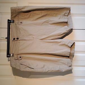 Westport 1962 khaki shorts– size 24